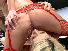Charles Dera organized amazing catfight with two busty blondies Brynn Tyler and jazy Berlin. Look how nasty bitches show off their big tits on the ring and fuck each other's cunts with dildo.