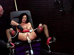 Gorgeous Veronica Avluv lies in a gynecological chair. She gets fingered first by some guy. Then she gets toyed deep and intensively by the fucking machine.