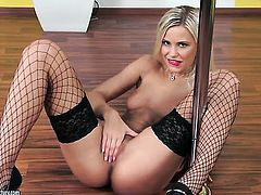Blonde Dido Angel does striptease before she sticks her fingers in her muff pie