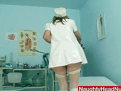 She performs her gorgeosu pussy for a wide screen. Naughty head nurse prefer hardcore action but today she has nothing but dildofuck her pussy in solo.Naughty granny knows how to satisfy her big pussy!