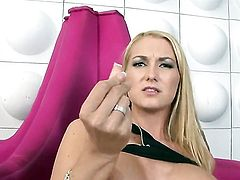 Blake Rose shows every inch of her body before her masturbates on cam