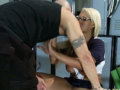 Voluptuous light haired hottie with tanned sin Bridgette B gets her delicious cunt licked by Derrick Pierce. Big boobed hoe gives him nice blowjob and takes his massive prick up her cooch doggystyle.