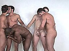 Five Hots Guys Suching and fucking in the locker