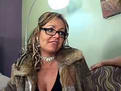 This cougar is fucking doggystyle and she is also sucking a real good dick, girl has got some skills, serious sex skills