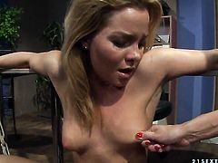 Brunette Mandy Bright has some time to give some sexual pleasure to lesbian Salome