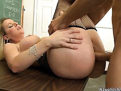 Johnny Castle whips out his sausage to fuck Anita Blue with juicy bottom