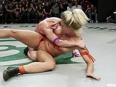 These crazy chicks make great catfight show in public. They not only fight but also lick and toy each others wet pussies.