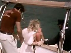 Seductive blonde vintage babe kisses her boyfriend and starts to blow his cock. She gives him eager outdoor blowjob. This hot retro sex tube video is well worth seeing.