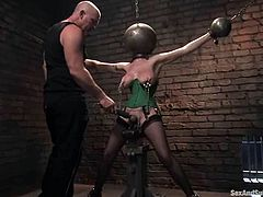 This kinky and sizzling siren Mz Berling is not going to dominate this time. She is being inflicted to the BDSM passion of Mark Davis and there is now way to evade that!