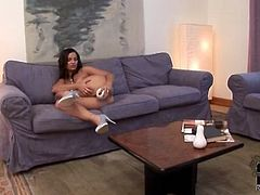 Eve Angel fills her pussy with a white toy