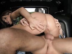 Jenna Presley spends her sexual energy with Will Powerss sturdy sausage in her mouth