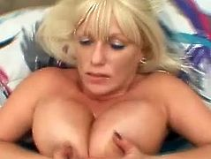 Some nice cum on tits for this mature amateur with big jugs who likes to get messy. She has a pretty hot body and knows how to use it.