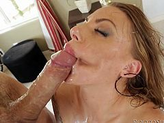 Juelz Ventura pounds her asshole with a toy. Then she gives a great blowjob to Rocco Siffredi and they have multiposition anal sex.