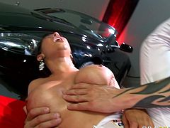 This dark-haired temptress looks so hot that's unbelievable. She has a nice pair of big boobs and a well-shaped ass. Horny stud pounds her fanny in missionary position. Then she rides him in reverse cowgirl position.