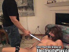 Watch Dr Spark and her cute slut Cindi in this hot video.See how he makes her naked and plays with her big boobs and sexy body.He ties her and gives her candle wax torture and some Electro shocks before he fucks her hard.