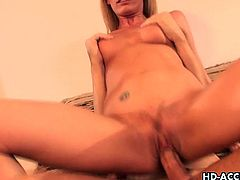 Matures HD brings you a hell of a free porn video where you can see how the vicious blonde milf Darryl Hanah gets her tight ass fucked into a huge orgasm.