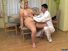 BBW Bet brings you a hell of a free porn video where you can see how a BBW blonde gets banged by her doctor on the floor til she reaches a massive orgasm.