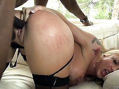 Wesley Pipes wants to fuck breathtakingly hot Leya Falcons ass forever before oral job