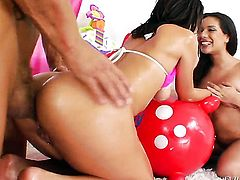 Nacho Vidal stretches completely cute Jayda Stevenss bum with his throbbing worm to the limit