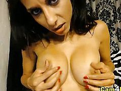 Busty Hottie Plays her Pussy and Ass