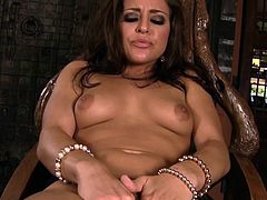 Beautiful Gracie Glam amazes with her sensual moves during raw solo