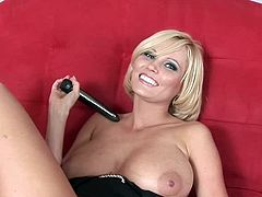 Her new toy makes magic while drilling deep into her juicy and warm cunt