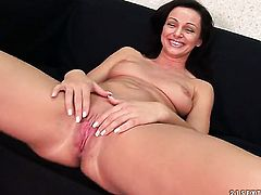 Brunette Cameron Cruz has some time to stroke her love hole