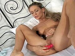 Teen blonde Cynthia Vellons is sucking her dildo