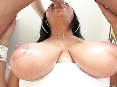 Angel faced tart Bethany Benz loves giving throat job