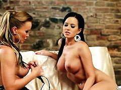 Cindy Dollar and Silvia Saint are two lovely lesbians that love pussy fingering