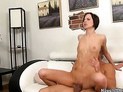 Kelly Klass enjoys fuck hole stretching in steamy sexaction with Johnny Castle