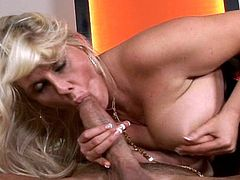 After having her shaved twat nailed well, blonde cougar kneels and swallows