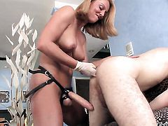 Wolf Hudson puts his man meat in fuck crazed Brenda Jamess ass
