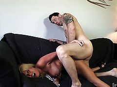 Grace Evangeline has great sexual experience and expands it with hard cocked dude
