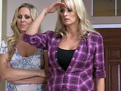 Julia Ann and Stormy Daniels are having lesbian fun indoors. The blondes fondle each other and then satisfy each other with cunnilingus.