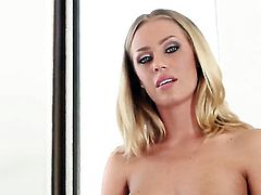 Nicole Aniston with juicy tits and trimmed cunt cant live a day without playing with herself