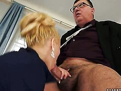 Blonde Chary Kiss wants mans schlong to fuck her mouth