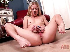 Blonde exotic Bella Bends with tiny boobs and bald twat kills time dildoing her wet hole for cam