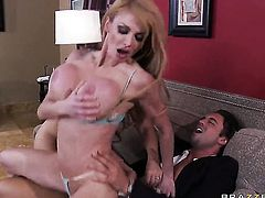 Devon Lee  Taylor Wane takes Rocco Reeds cum loaded pole in her hot mouth after back yard fucking