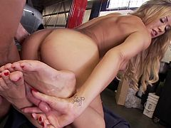 After a good teasing with her feet, naughty girl gets fucked right