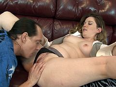 Have fun with this hardcore scene where the horny Tera Knightly is fucked silly by a guy after being eaten out.