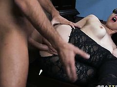 Keiran Lee gives completely cute Tiffany Stars mouth a try in oral action