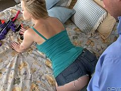 Check out this hardcore scene where the gorgeous blonde Alexis Texas is nailed by a guy's big cock as you focus on her amazing ass.