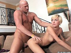 Dangerously seductive wench Emma Mae gets her mouth destroyed by throbbing cock