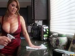 busty mom washes the floor and her boobs