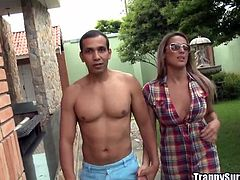 She looks good in that shirt, doesn't she? Juliana is a ts sex bomb and Yago takes her by the hand and goes inside with this beauty. There, he takes the bitch's panties off, eats her ass and puts her to suck his cock. The shemale enjoys it but will she enjoy a nice big load on her face and between her lips?