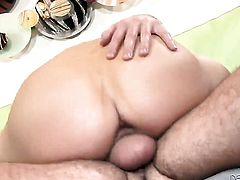 Ashlynn Leigh lets stud enter her enter the exit-door in anal action