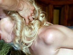 AMazing blonde getting it deep
