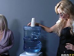 Naughty things happen at work. These three sluts are talking about cocks instead of working and surely, their minds are far away from their job. Instead of satisfying her boss, Eva finds out about a glory hole in the bathroom and goes to satisfy her curiosity. There, she finds a big hard cock and sucks it