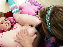 Kagney Lynn Karter and Brooklyn Lee and enjoy lesbian sex too much to stop